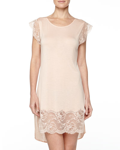 Begonia Cap-Sleeve Lace-Trimmed Short Gown, Powder