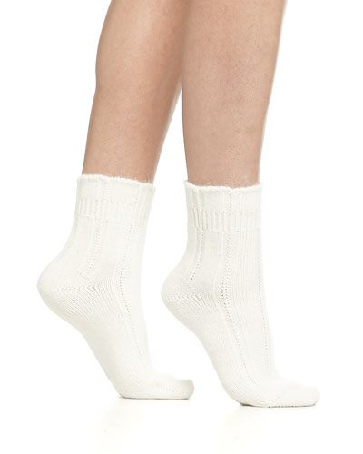 Cashmere-Blend Cozy Ruffled Bedsocks, Off White