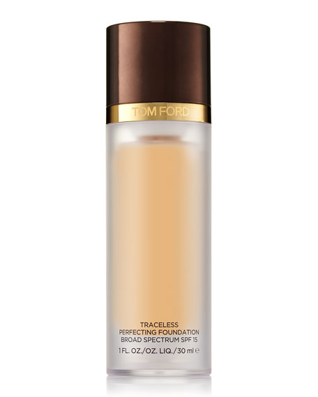 TOM FORD Traceless Perfecting Foundation SPF 15, 1