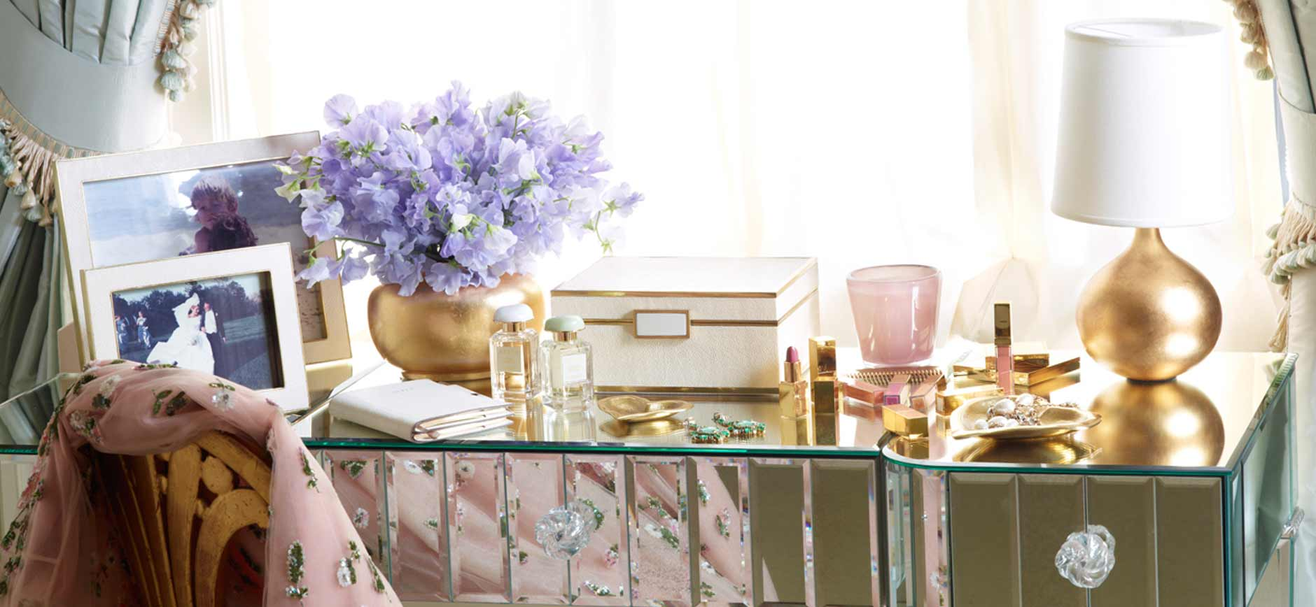 Bright vases trays dishes aroma lamps mirrors in beautiful frames - Aerin