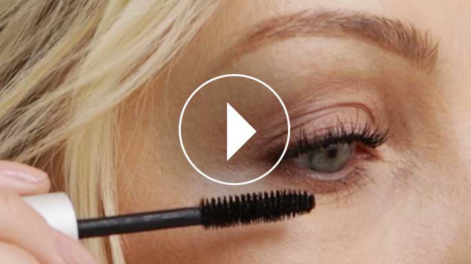 How to: Smokey Eye Mascara