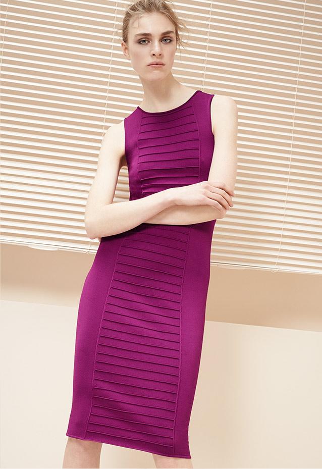 Excepcional Armani Cocktail Dresses Foto - Vestido de Novia Para Las ...