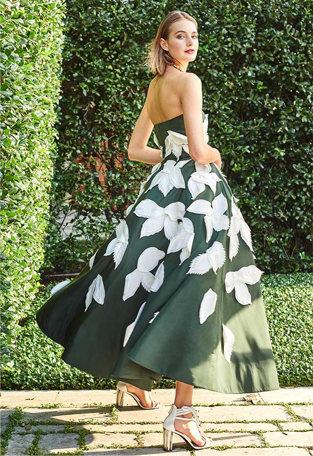 Oscar De La Renta Lookbook at Neiman Marcus
