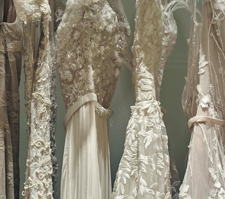 Designer wedding dresses bridal salon at neiman marcus for Neiman marcus wedding dress