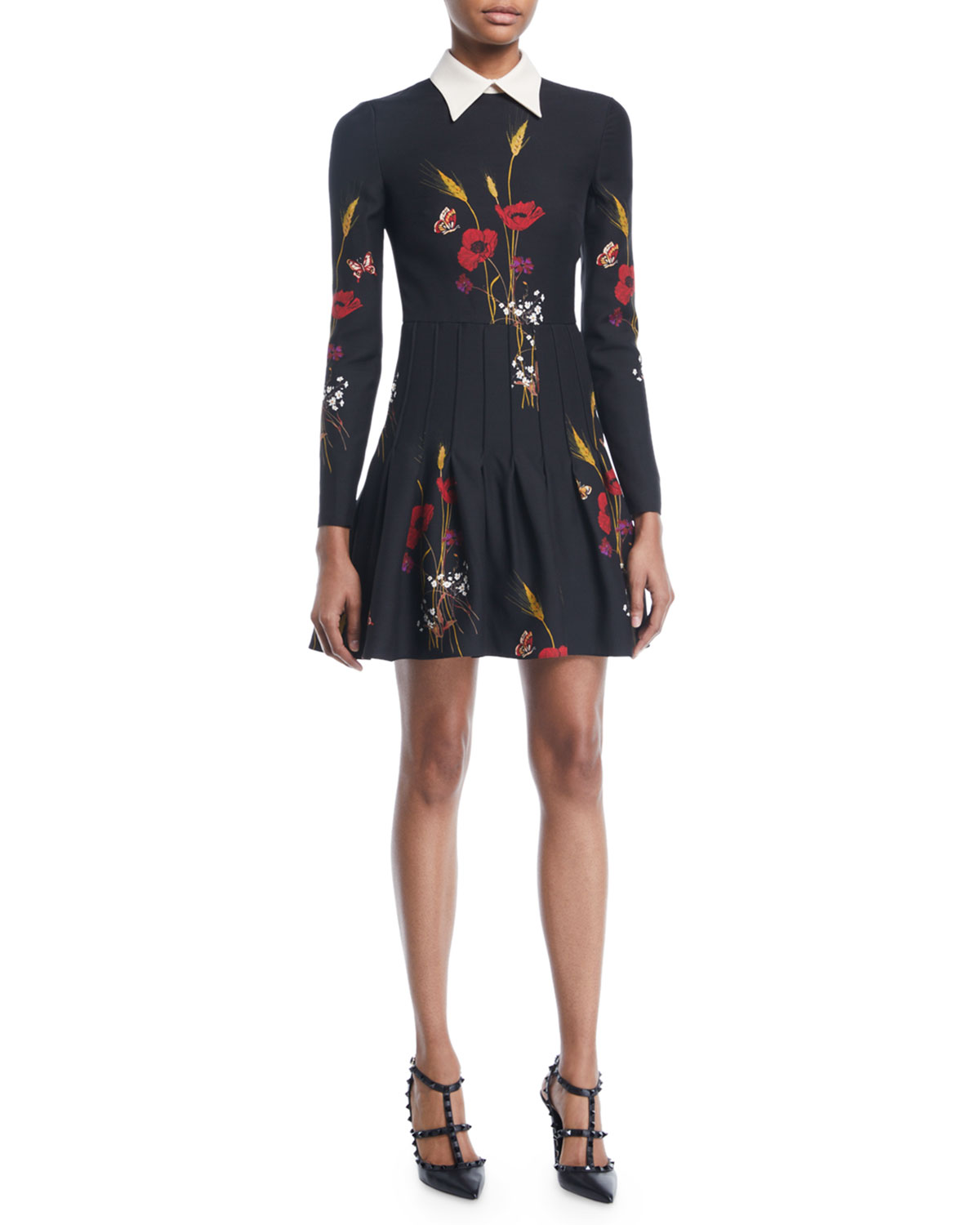 Long-Sleeve Collared Floral-Meadow A-Line Dress in Black Pattern