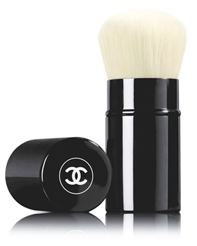 <b>RETRACTABLE KABUKI BRUSH</b> - Limited Edition