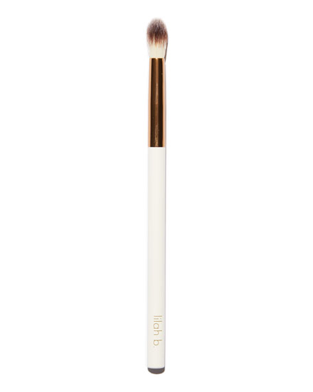 lilah b. Crease Brush #4