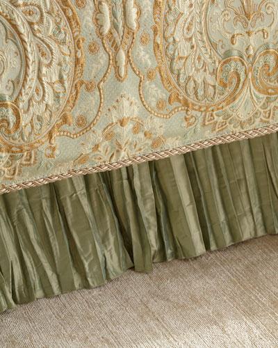 Queen Petit Trianon Dust Skirt