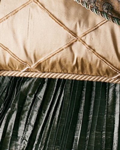 King Villa di Como Pleated Dust Skirt