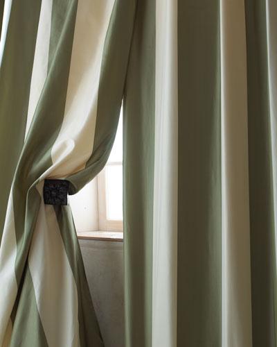 Each Hampton Curtain, 108
