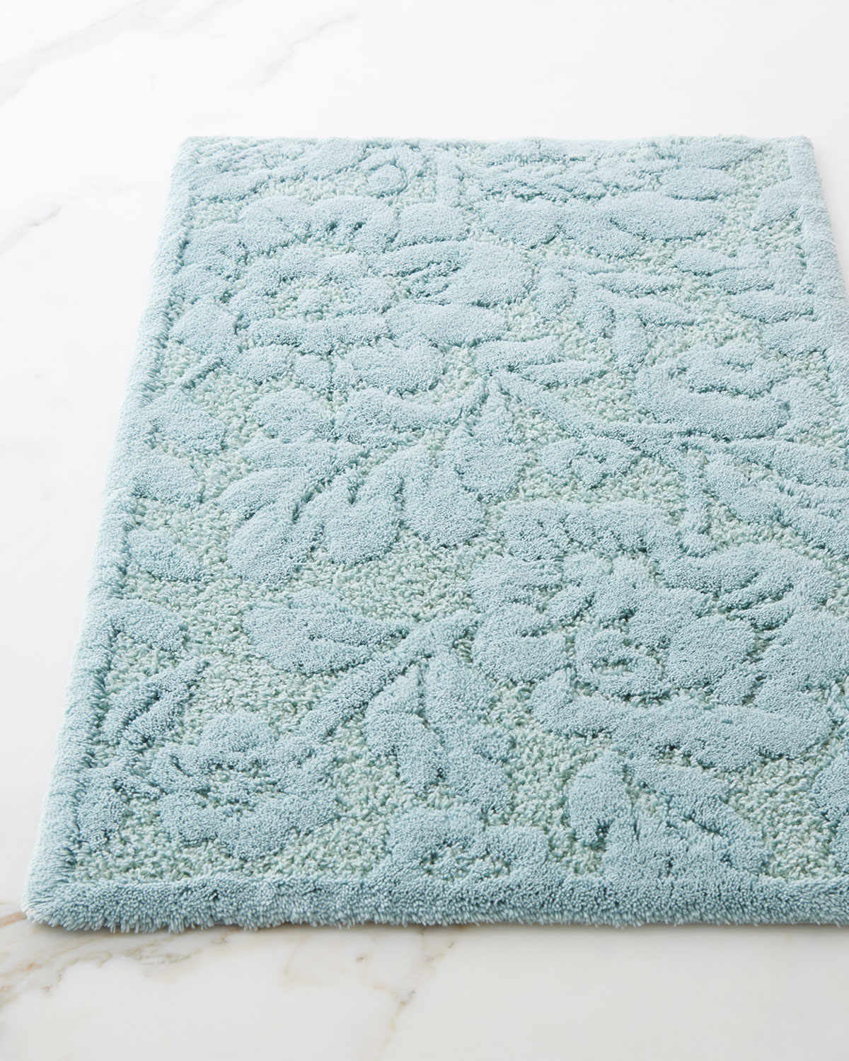 Brighton Bath Rug Approx 27 x 55