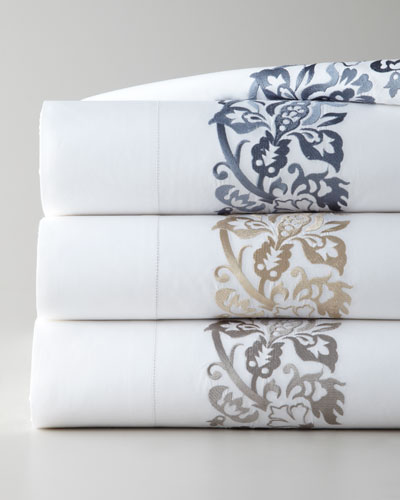 King 406TC Plumes Embroidered Flat Sheet