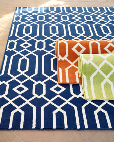 Geometric Twist Indoor/Outdoor Rug, 3'11