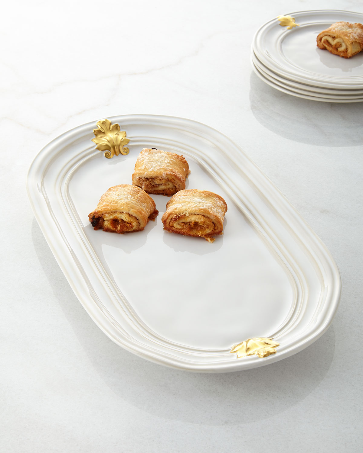 ACANTHUS GOLD HOSTESS TRAY