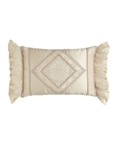 Pieced Cameo Pillow with Diamond Center, 23