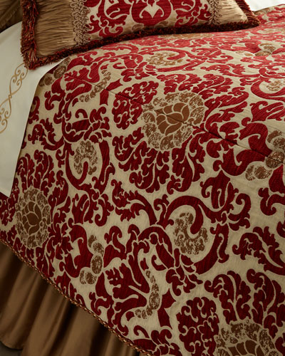 Queen Arabesque Comforter