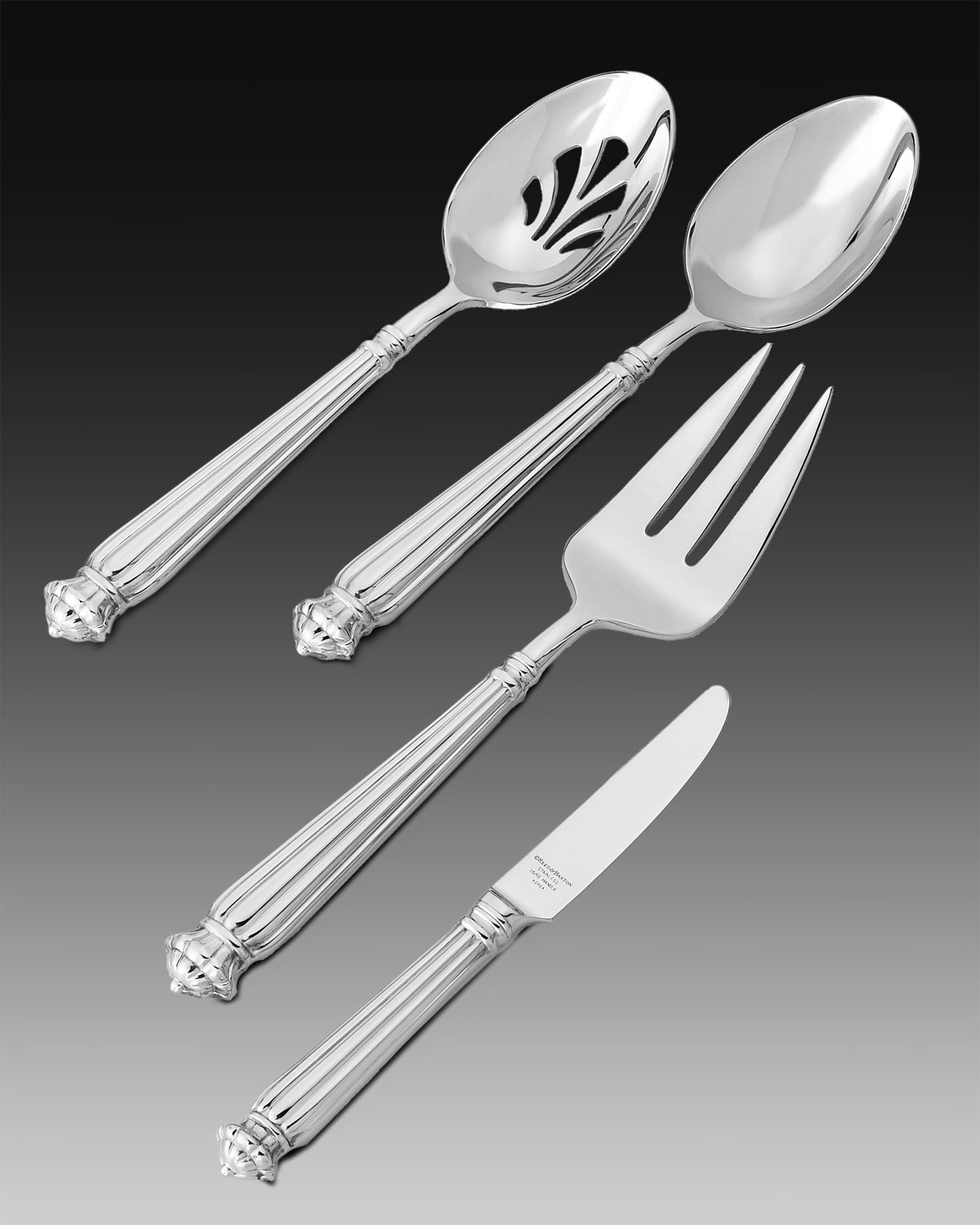 Musee Four-Piece Hostess Set
