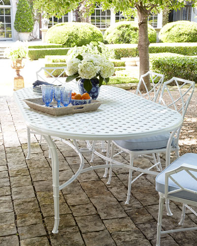 Calcutta Round Outdoor Dining Table