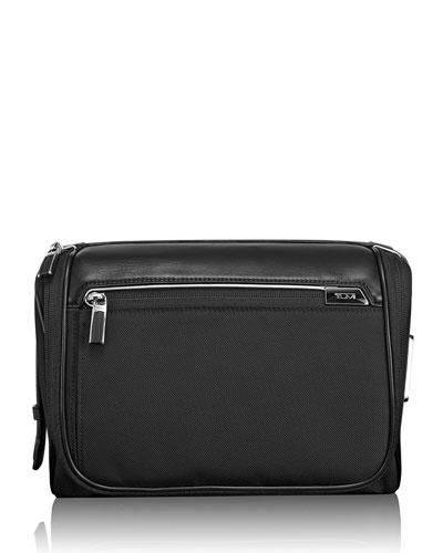 Arrive Black Richmond Travel Kit