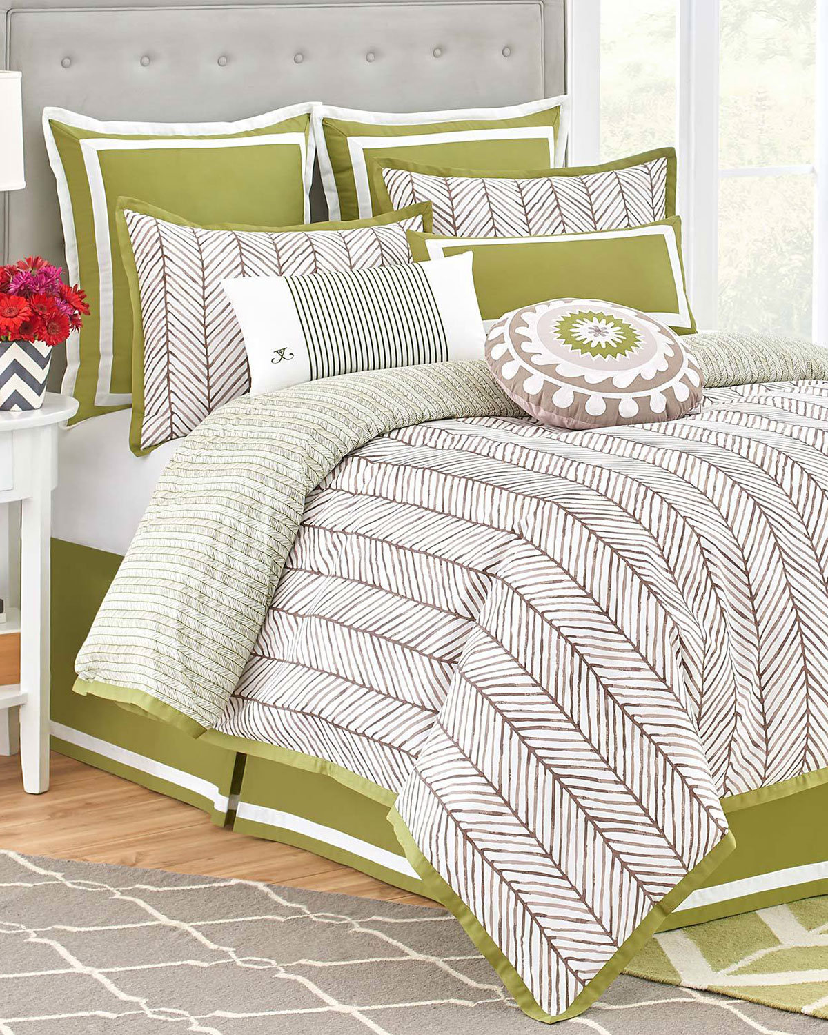 King Arrows 4-Piece Comforter Set