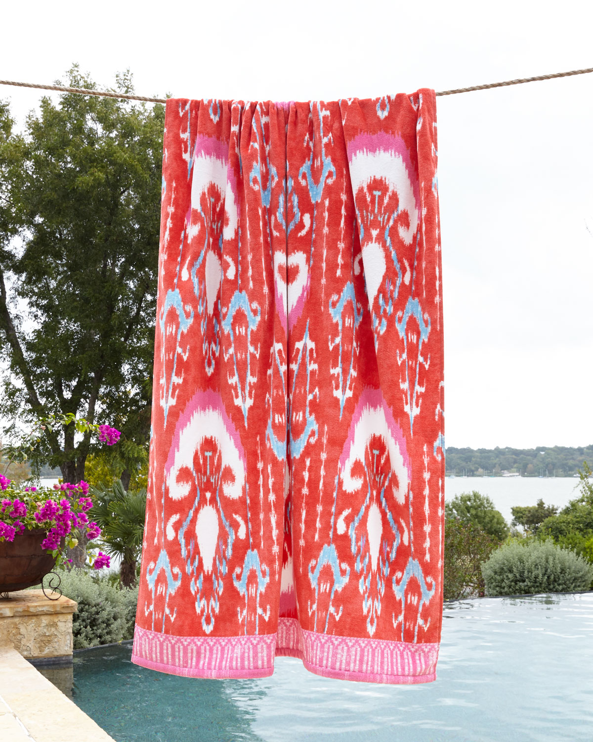 Vaya Pink Beach Towel