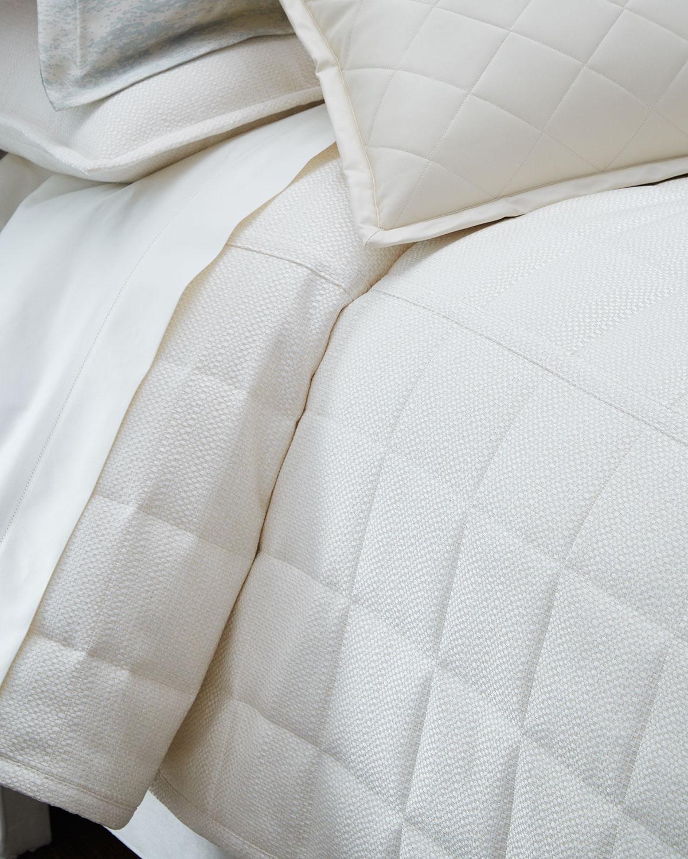 Queen 3Piece Textured Coverlet Set