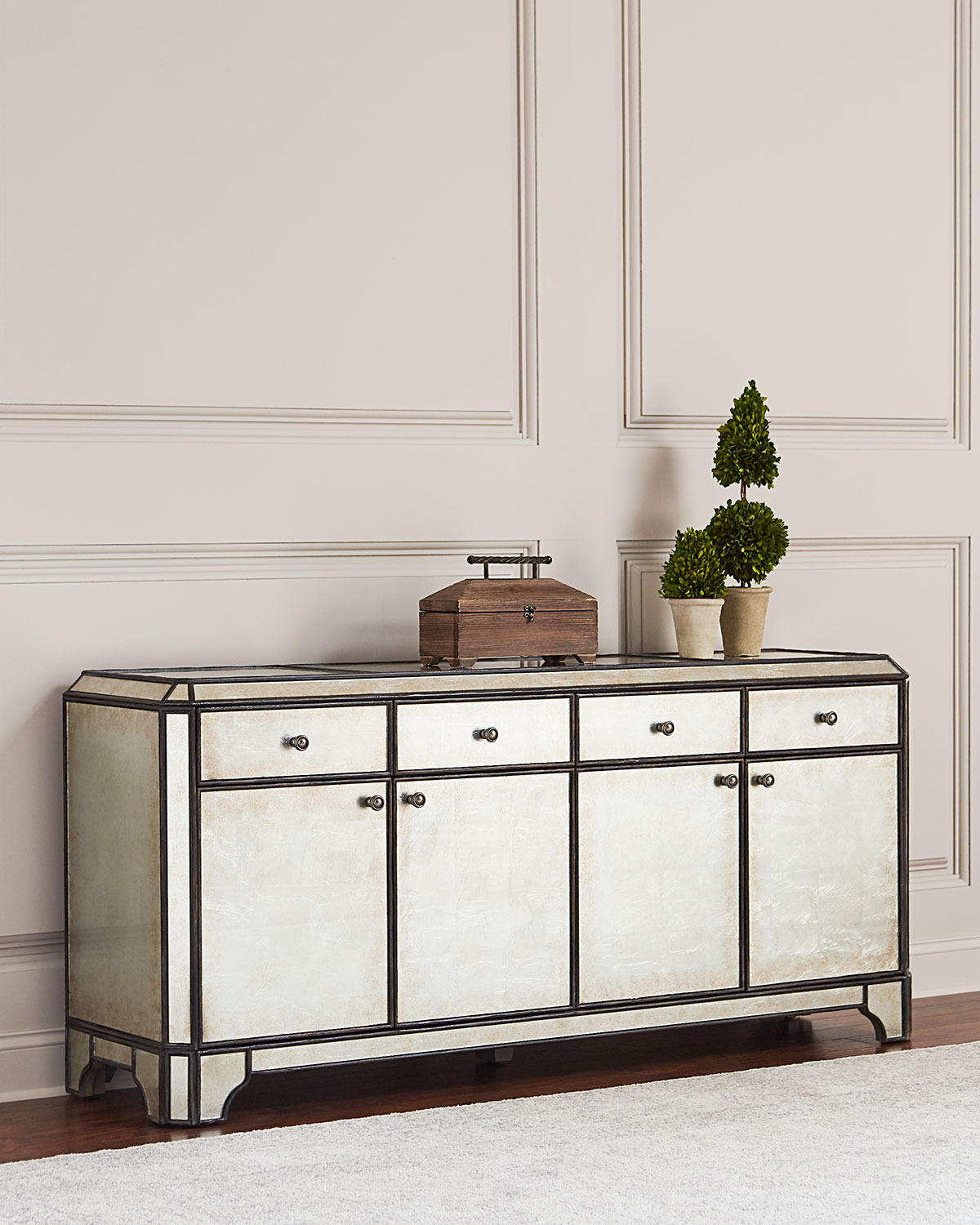 'Hooker Furniture Garth Eglomise Entertainment Console