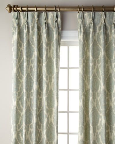 Leighton Curtain, 108