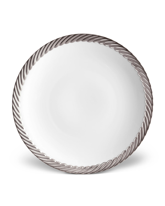 L'objet CORDE SALAD/DESSERT PLATE, WHITE/SILVER