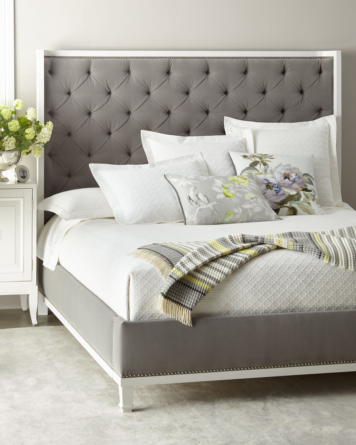 Kindry Tufted King Shelter Bed