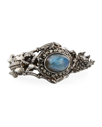QUEEN AND KIN SKELETON RING