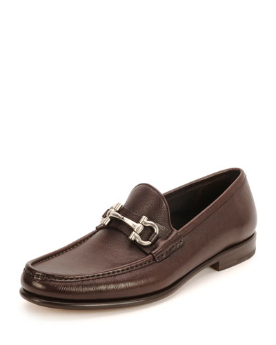 Textured Calfskin Gancini Loafer, Brown