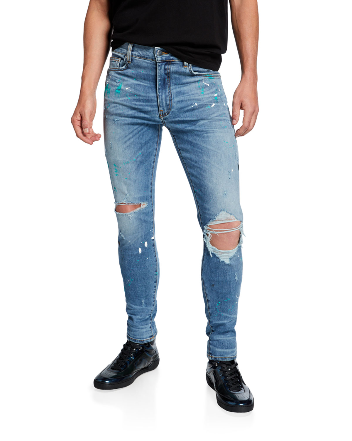 Amiri Jeans MEN'S PAINT-SPLATTER SKINNY JEANS WITH RIPPED KNEE