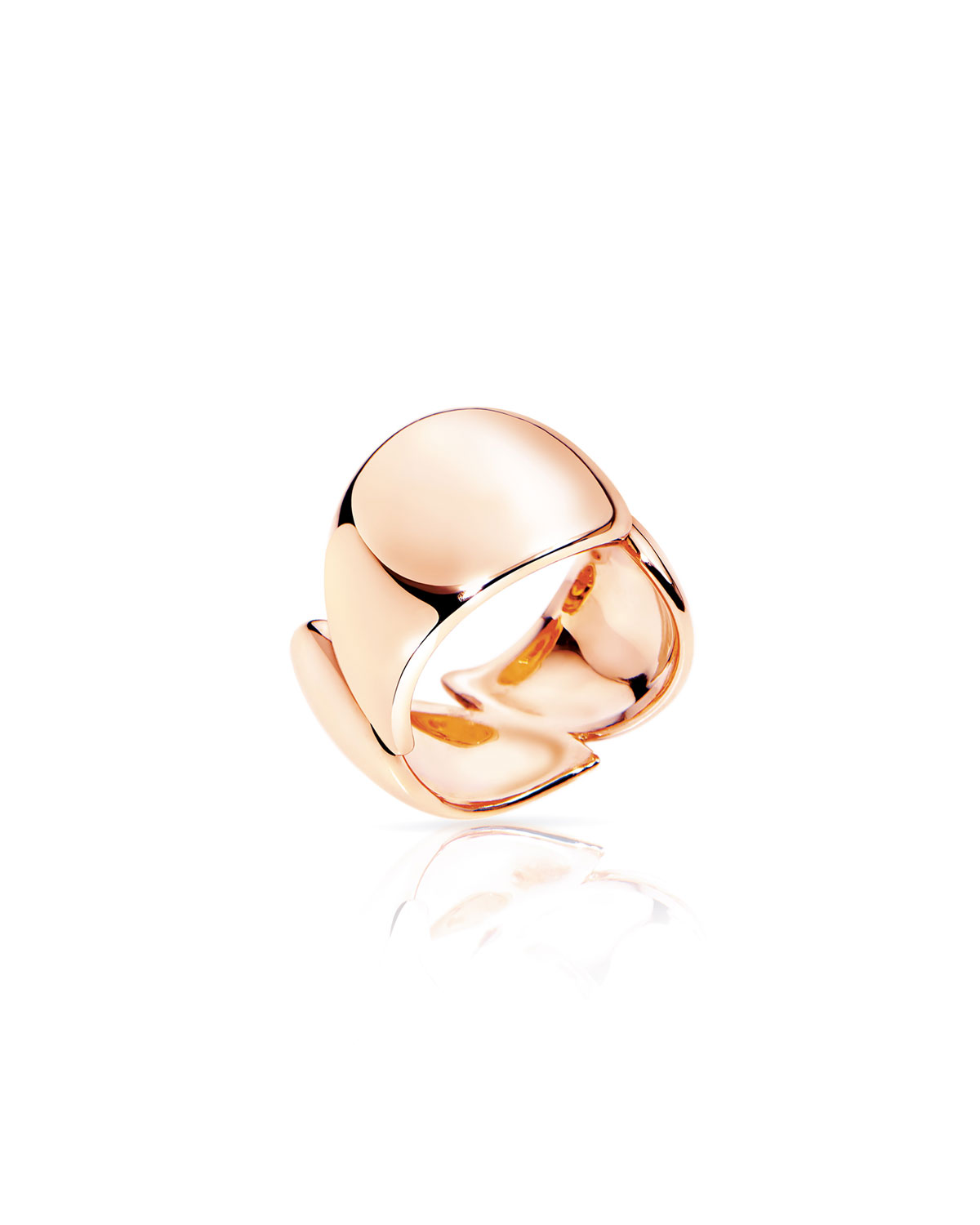 Signature Wave ring from Tamara Comolli. Polished 18-karat rose gold hardware. Three drop silhouettes form band. Approx. 0.5\