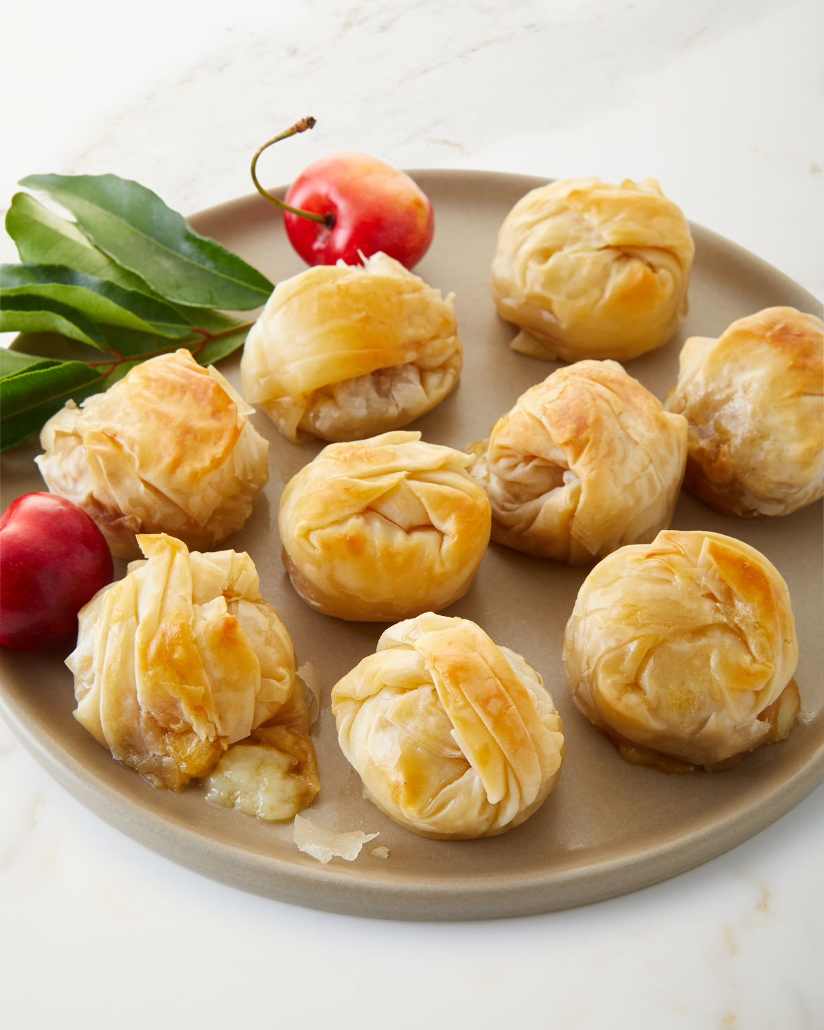 Baked Brie Bites with Apple Chutney, For 13 People