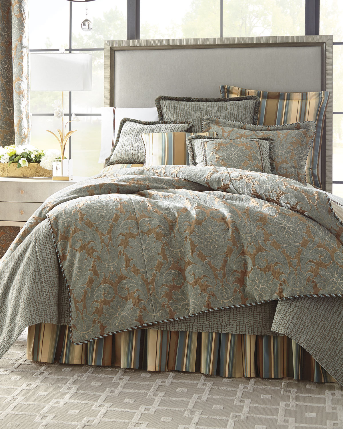 King Bella Crocodile Coverlet