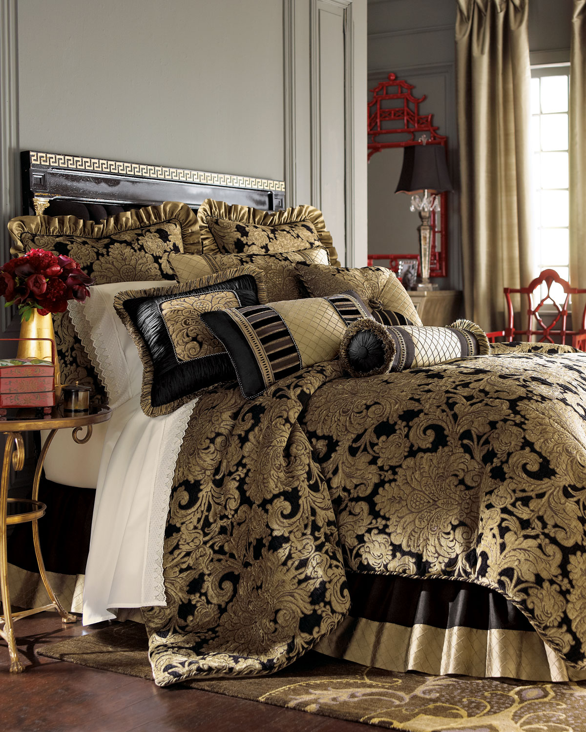 King Senna Comforter Set