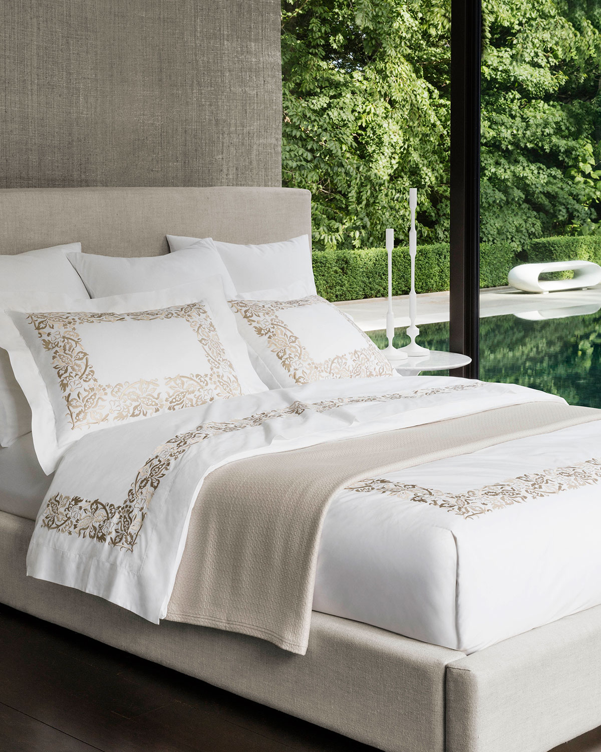 Full/Queen Plumes Embroidered Duvet Cover
