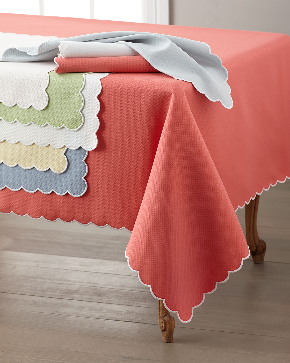 "Savannah Gardens Tablecloth, 68"" x 126"""