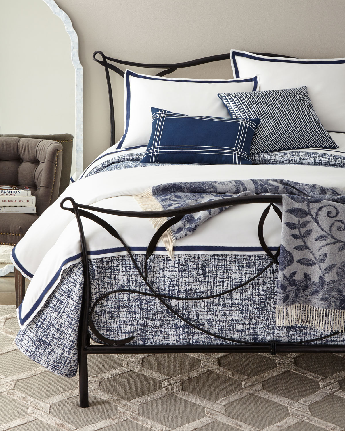 Queen Abstract Crossha Thread Counth Coverlet