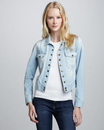 The Snap Jacket, Parlor