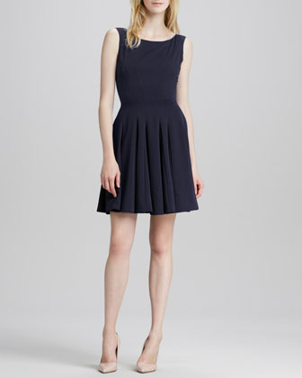 Kaien Pleated Sleeveless Dress