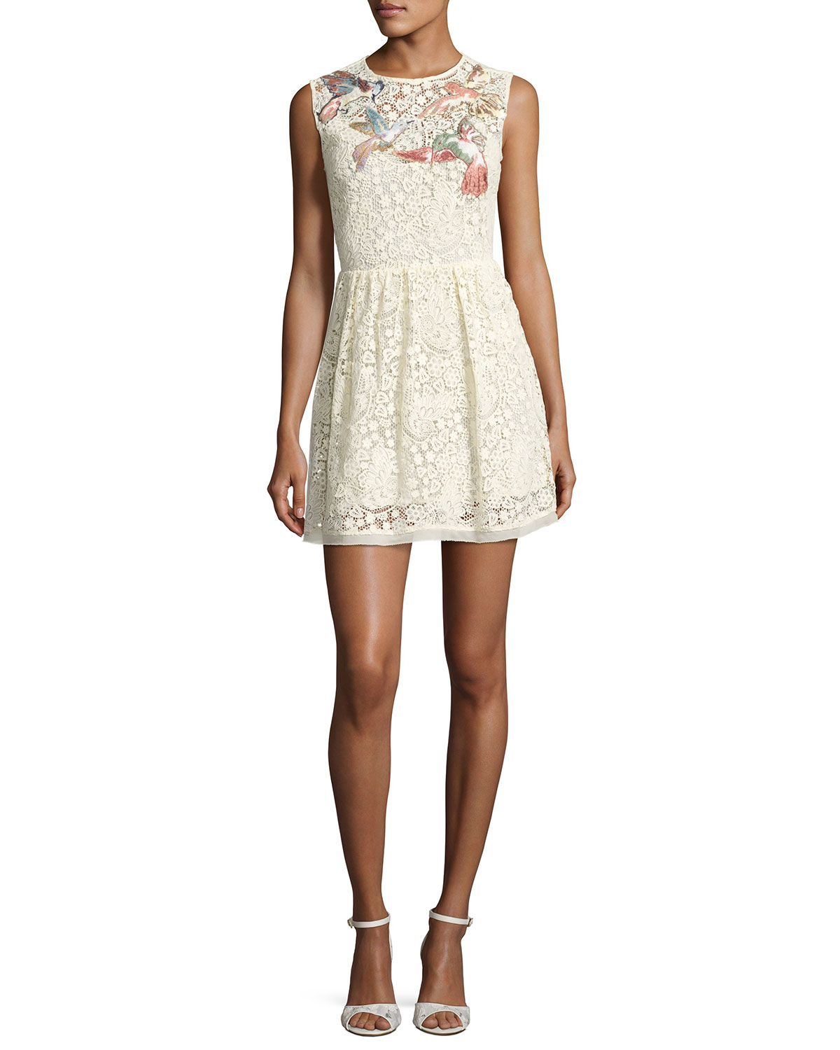 Sleeveless Hummingbird Embroidered Macramé Dress, Panna