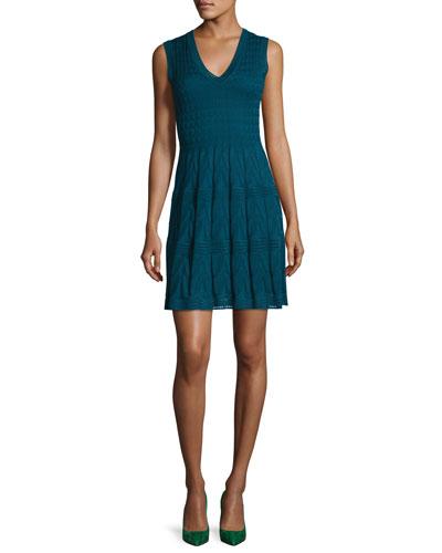 Sleeveless V-Neck Pleated Stretch-Knit Dress