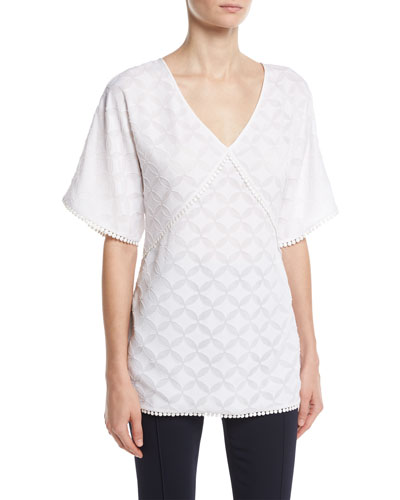 Medallion Fil Coupé V-Neck Top, White