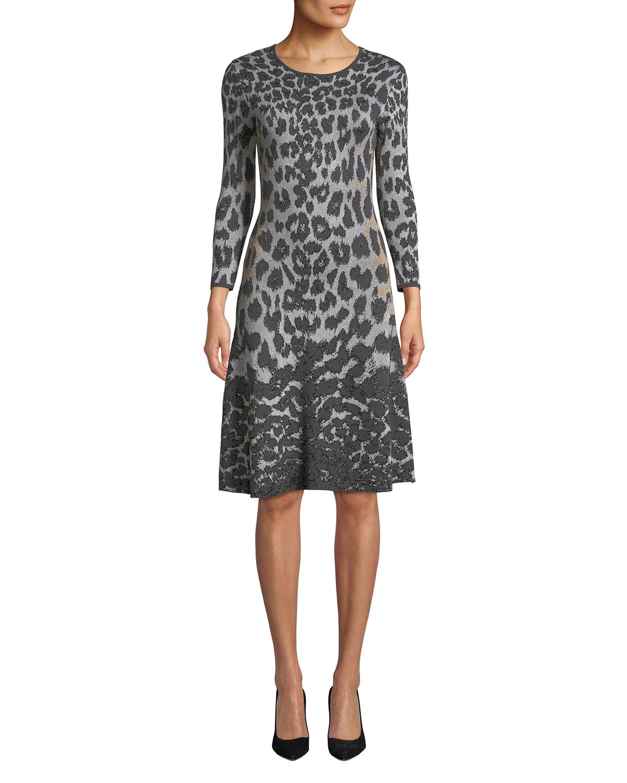NK32 NAEEM KHAN Flare Scoop-Neck 3/4-Sleeve Knee-Length Animal-Printed Dress in Black/Gray