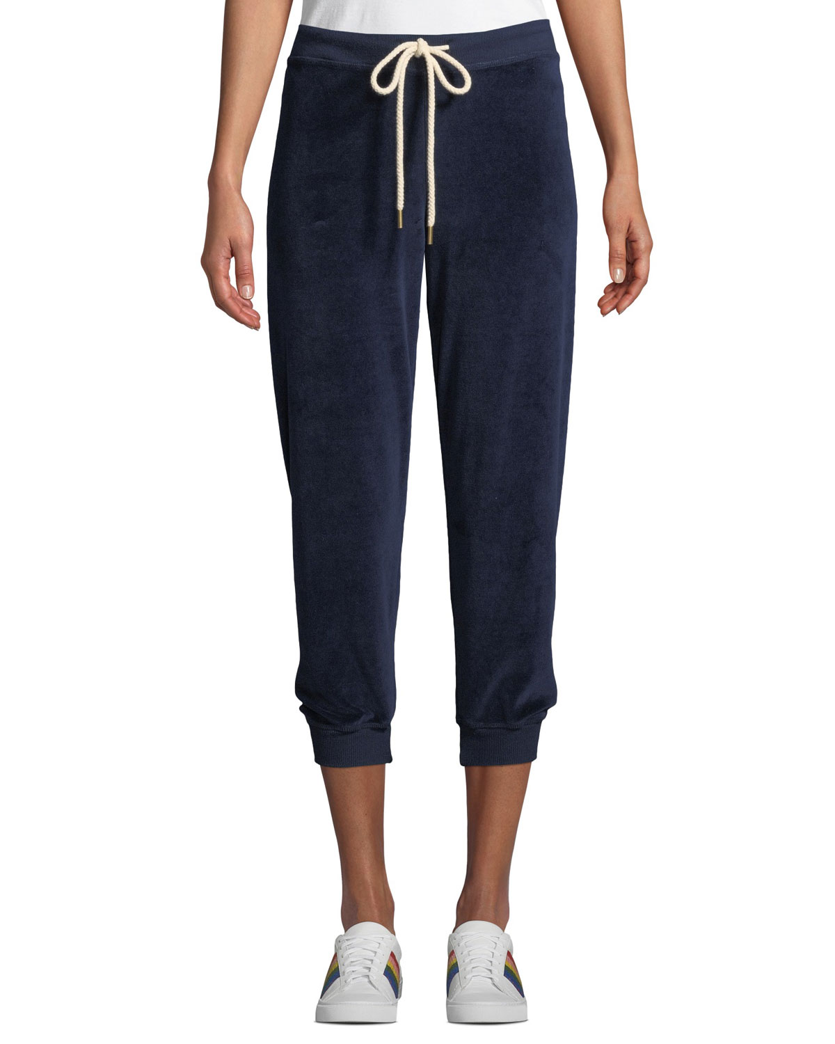 THE GREAT The Velour Cropped Sweatpants in Navy