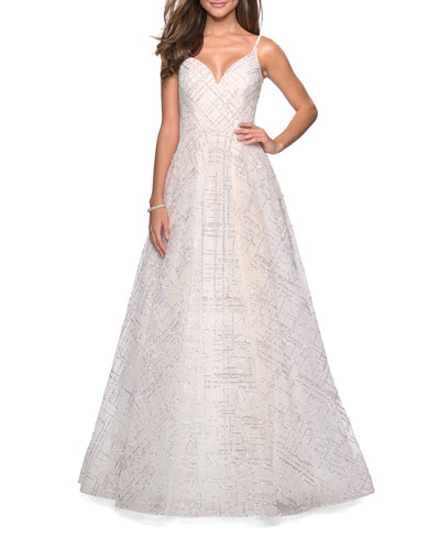 536e05399fa28 Quick Look. La Femme · Patterned Sequin Sweetheart Sleeveless Ball Gown