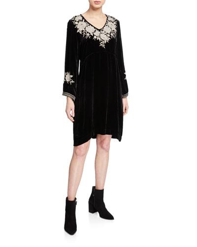 Plus Size Santal Effortless V-Neck Long-Sleeve Velvet Dress