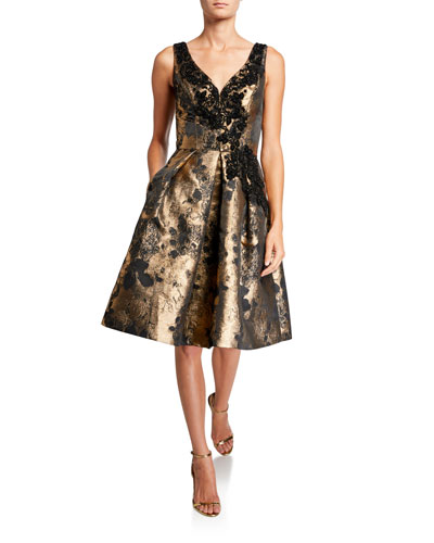 V-Neck Sleeveless Cocktail Dress with Appliques